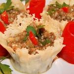 Баклажанная закуска в сырной корзиночке Римские каникулы