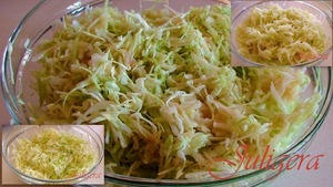 Cabbage, apples and cucumbers, wash, dry.  Cabbage finely chopped.  Apples are cleaned, cut serdtsevinu, grate on a coarse grater.  Cucumbers cut into thin strips.  Connect in a bowl the cabbage, shrimp, apples and cucumbers.