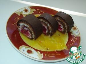 Нарежьте рулет на роллы толщиной 3 см.    На сервировочную тарелку налейте апельсиновый соус с кусочками апельсина, положите роллы и подавайте к столу. Сочетание шоколада и риса со свежими фруктами не оставит никого равнодушным. Замечательный десерт с использованием риса.