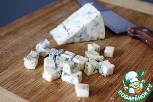 Раскрошить или нарезать сыр