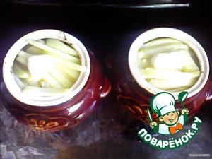 Минут через 30 положить кусочек сливочного масла и тушить до готовности.