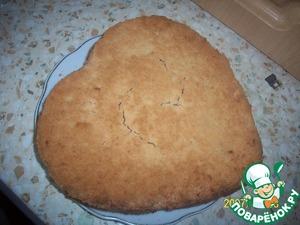 Форму с пирогом переворачиваем на блюдо, пирог должен быть печеньем кверху.       Приятного аппетита!