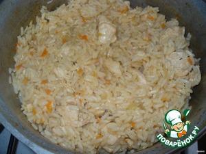 Когда будет готов, добавить соевый соус и перемешать (это по желанию).