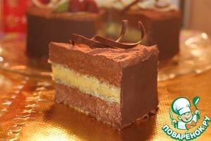 Советую нарезать торт острым, горячим и сухим ножом.