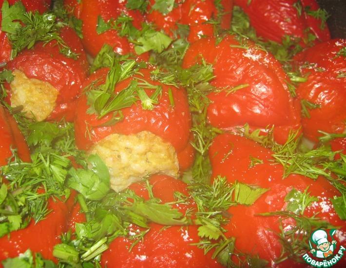 Рецепт: Особый фаршированный болгарский перец, запечённый в духовке
