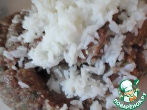 Вареный рис.    Все тщательно перемешиваем и оставляем в холодильнике, хотя бы минут на 15.