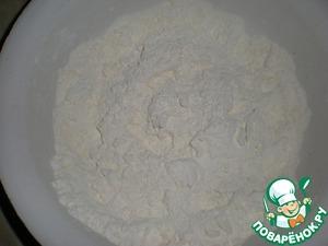 Тыкву испечь в духовке или микроволновке. Размять ее в пюре.    Муку растереть руками со сливочным маслом.