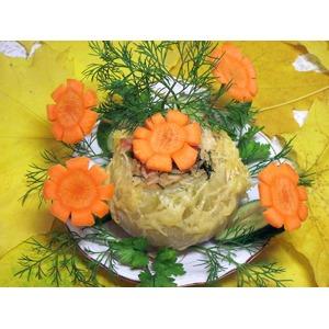 Лук фаршированный со сливочно-сырным соусом