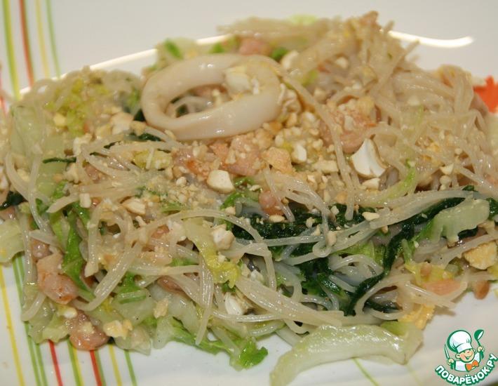 Рецепт: Рисовая лапша с креветками и кальмарами