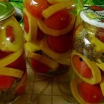Маринованные помидоры в кабачках