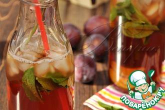 Рецепт: Освежающий коктейль с лимонным чаем и сливовым сиропом