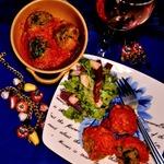 Фрикадельки из чечевицы и шпината в томатном соусе