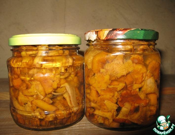 Рецепт: Лисички, маринованные с луком-пореем