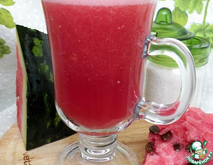 Рецепт: Арбузный коктейль с мятой и мелиссой Vittorio Morello