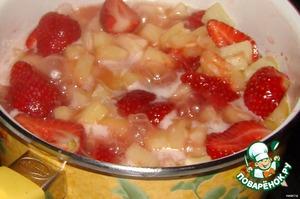 """Пирог с клубникой и ревенем """"Плейбой"""" – кулинарный рецепт"""