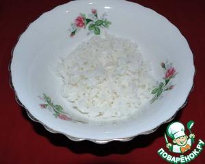 """В кастрюлю с кипящей водой засыпаем белый длиннозерный рис """"Мистраль"""" Индика, довести до кипения и плотно закрыть крышкой. Варить до готовности."""