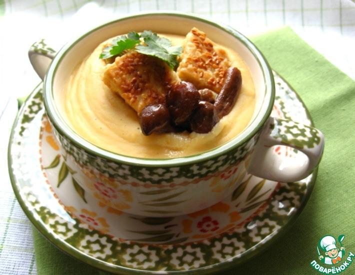 Рецепт: Суп-пюре из чечевицы с тофу и грибами