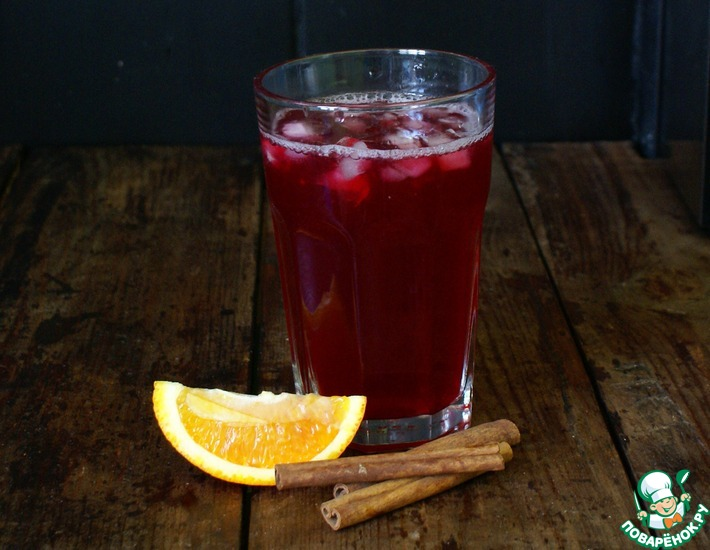 Рецепт: Домашний лимонад с черной смородиной