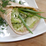 Чечевичные лепешки с салатом