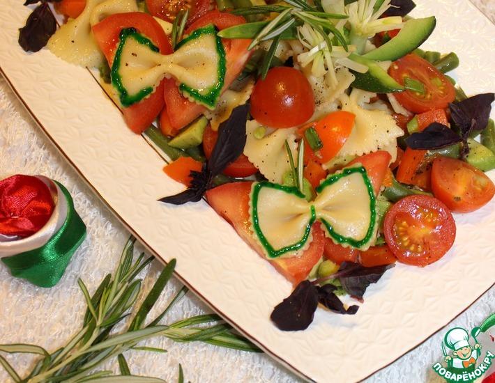 Рецепт: Тёплый средиземноморский салат с фарфалле
