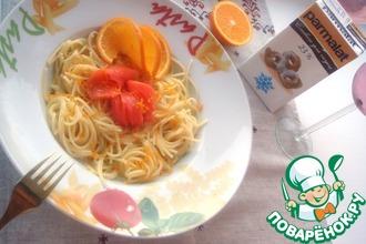 Рецепт: Спагетти со сливочным соусом с апельсином, ванилью и малосольной форелью