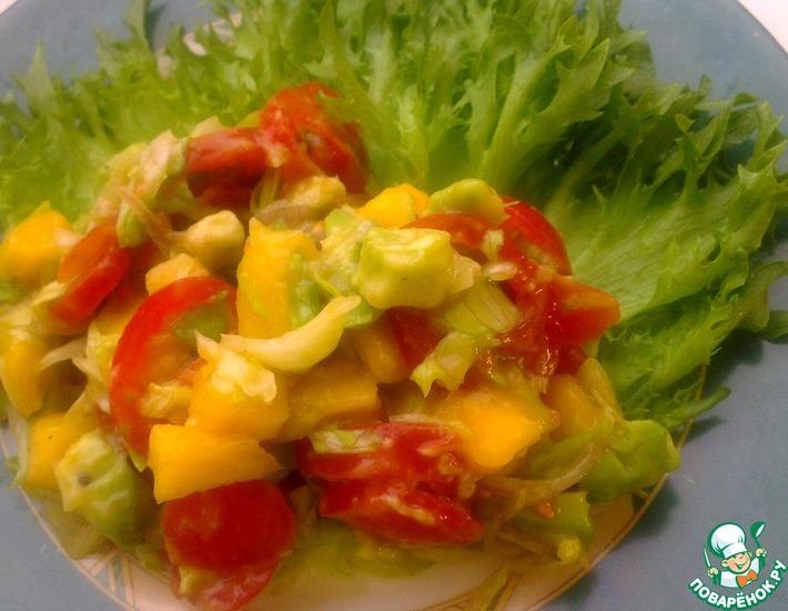 Рецепт: Вегетарианский салат с манго и авокадо