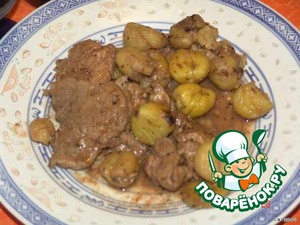 If you decide to file the chestnuts/potatoes separately, then the sauce can be thickened a little passerovannoy until Golden brown flour. Bon appetit!