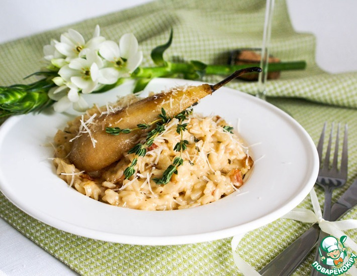 Рецепт: Ризотто с грушей, сыром бри и тимьяном