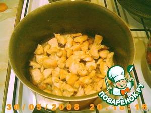 Когда вода выкипит, добавьте масло, немного обжарьте.