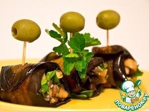 Рецепт: Баклажановые рулетики с грибами и фасолью