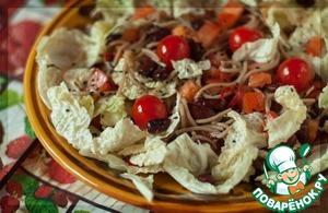 Рецепт Салат с пекинской капустой, фасолью и гречневой лапшой