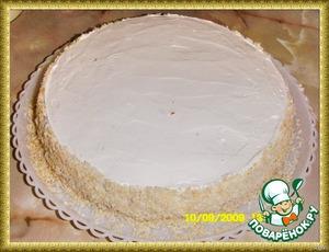 Верх смазала [url=https://www.povarenok.ru/recipes/show/30138/]Карамельным соусом[/url].   Торт получается сладкий, с лёгкой кислинкой - удовлетворит всех любителей лимонной выпечки.
