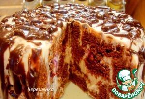 Chocolate cake with curd-yogurt cream
