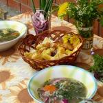 Суп гречневый с крапивой и гренками