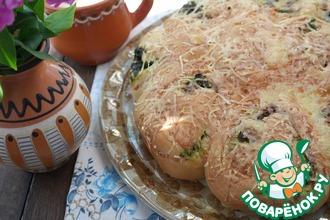 Рецепт: Булочки-улитки на сыворотке с сыром и щавелем
