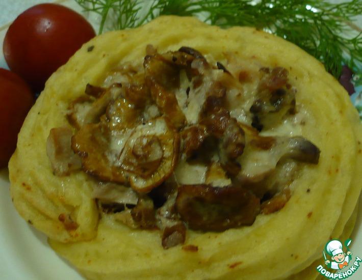 Рецепт: Картофельные корзиночки с лисичками