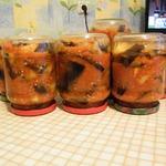 Консервированные баклажаны с помидорами