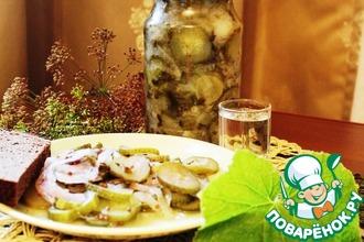Рецепт: Пряный салат из огурцов