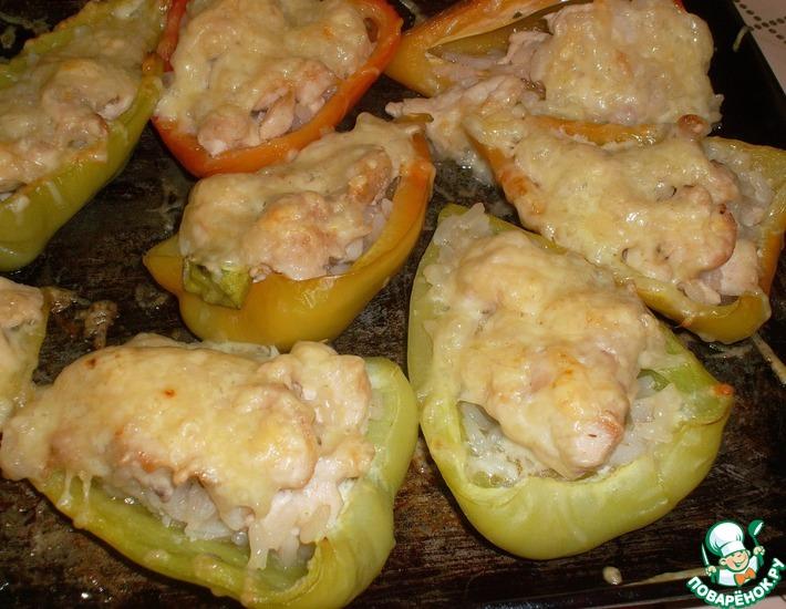 Рецепт: Перцы, фаршированные курицей