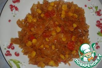 Рецепт: Тушеная капуста с кукурузой