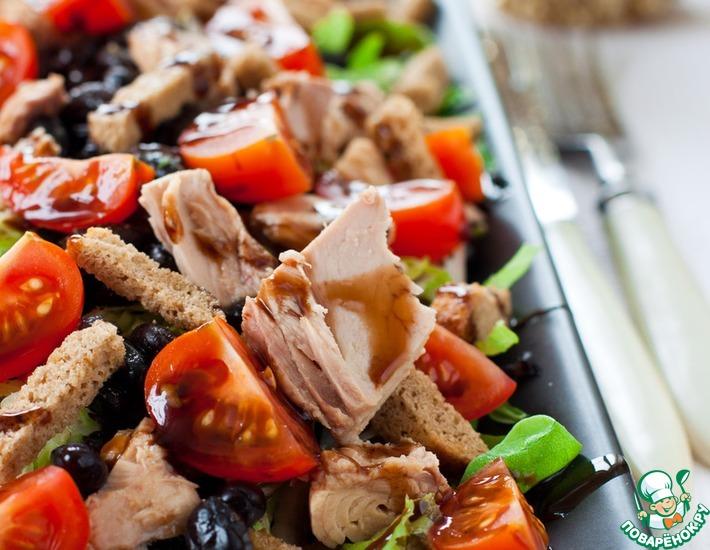 Рецепт: Кранч-салат с черной фасолью и тунцом