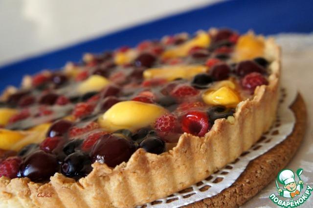 Сметанный тарт со свежими ягодами – кулинарный рецепт