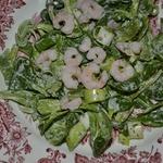 Фельд-салат с креветками и зеленым луком