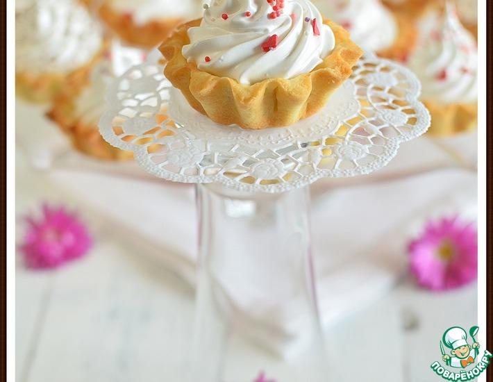 Рецепт: Пирожное Корзиночка с заварным белковым кремом