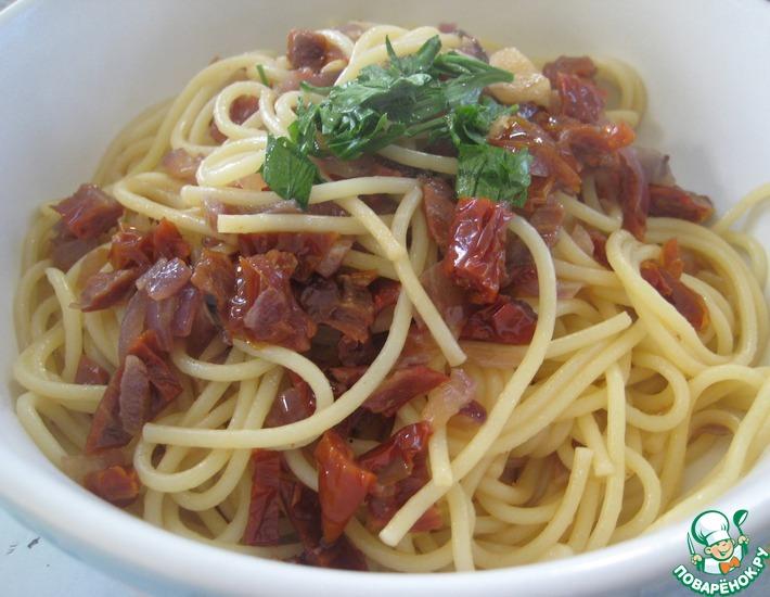 Рецепт: Пикантные спагетти с вялеными помидорами