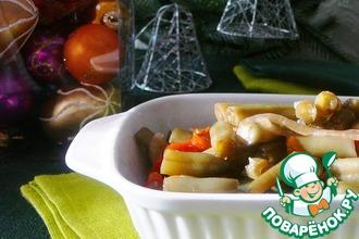 Рецепт: Маринованная стручковая фасоль с морковью, луком и красным сладким перцем