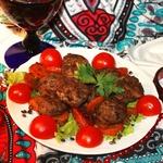 Арабские тефтельки из баранины в винном соусе