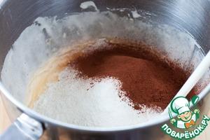 Примерно за 5 минут до окончания выпечки зеленого коржа начинайте готовить основное, шоколадное тесто. Алгоритм тот же, ингредиенты те же, что и в зеленом тесте (только в 2 раза больше), но вместо пудры матча всыпаем просеянное какао. И да, масло добавляем перед мукой! Вы помните?