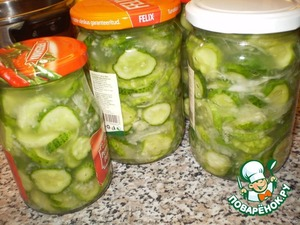 A salad of raw cucumbers for the winter