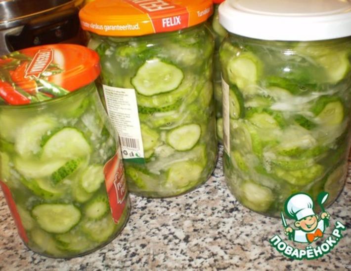 Рецепт: Салат сырой из огурцов на зиму